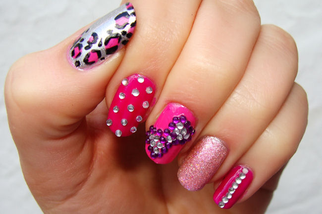 funky-barbie-pink-nails nail-art-101